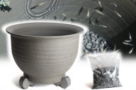 三河焼の職人が作るめだか鉢(睡蓮鉢尻丸 手造り 15号 いぶし) H100-021