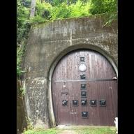 鉄道トンネルを再利用した天然のワインセラーBラック200本1年