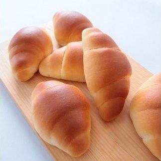 【05004】無添加特上生クリーム食パンとバターロール18個セット