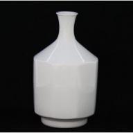 A1500-1 人間国宝 井上萬二作 白磁面取 花瓶
