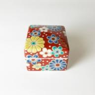010073. 【かわいい陶箱】九谷焼色絵陶箱